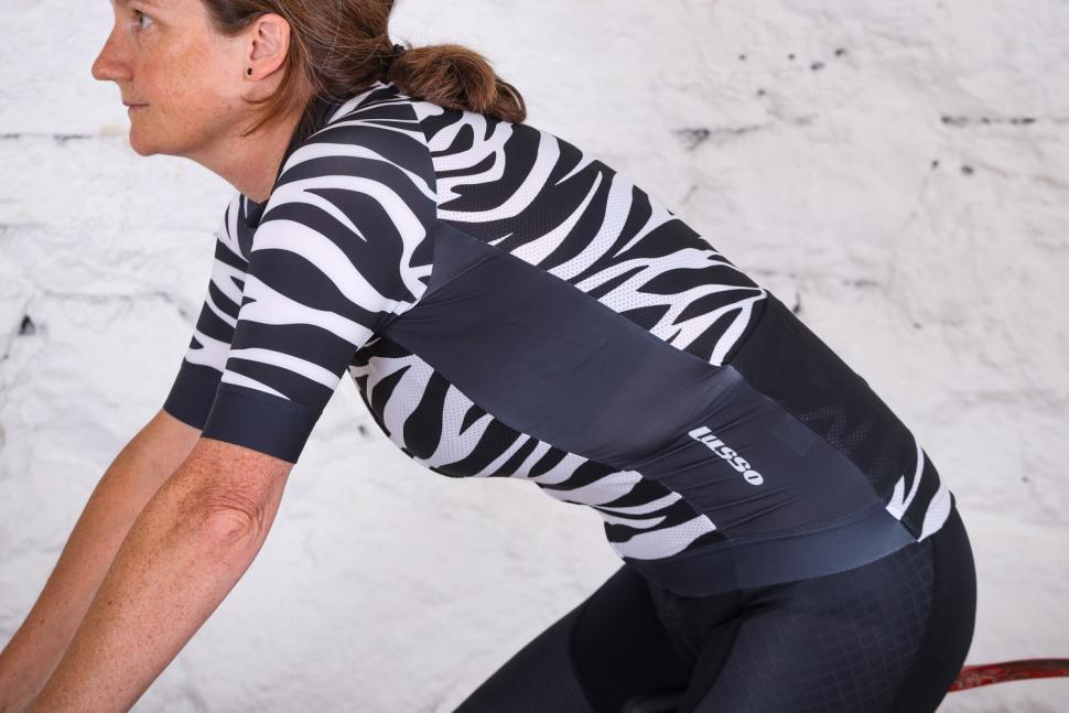 Lusso R1 Style Breathe womens Jersey - riding.jpg