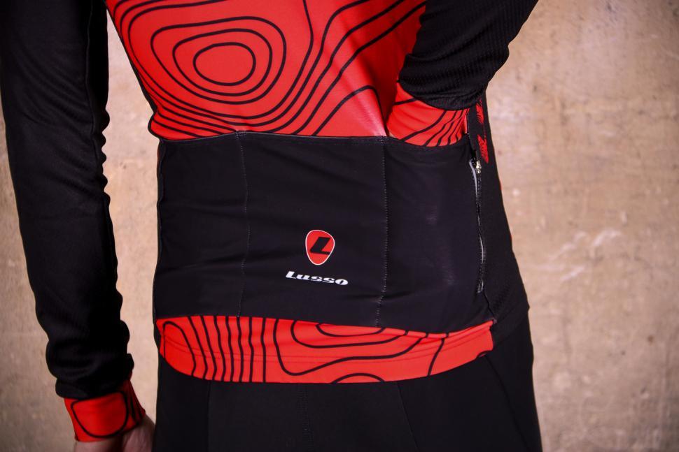Lusso Terrain LS Jersey - pockets.jpg