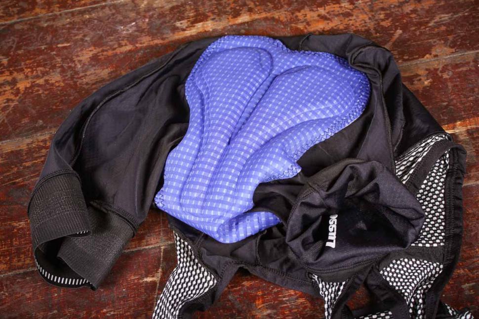 lusso_carbon_bib_shorts_-_pad.jpg