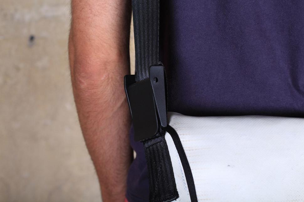 M-24 Messenger bag - strap clamp.jpg