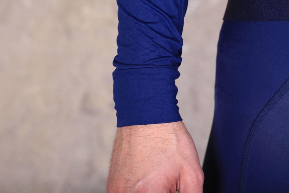 MAAP Base winter Long sleeve Jersey - cuff.jpg