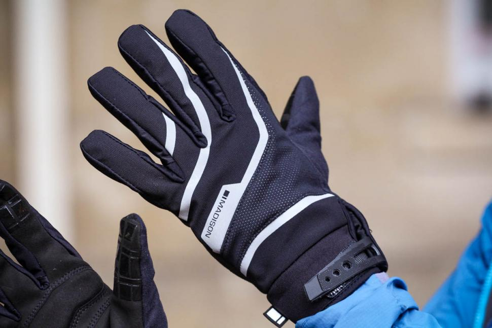 Madison Avalanche gloves - back.jpg