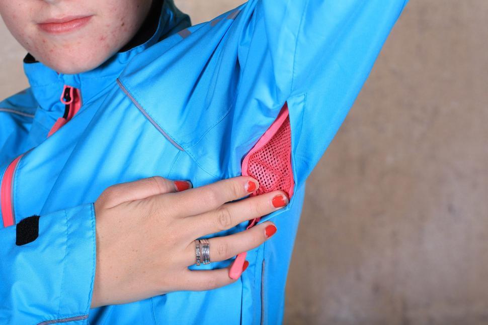 Madison Prima Womens waterproof jacket - vent.jpg