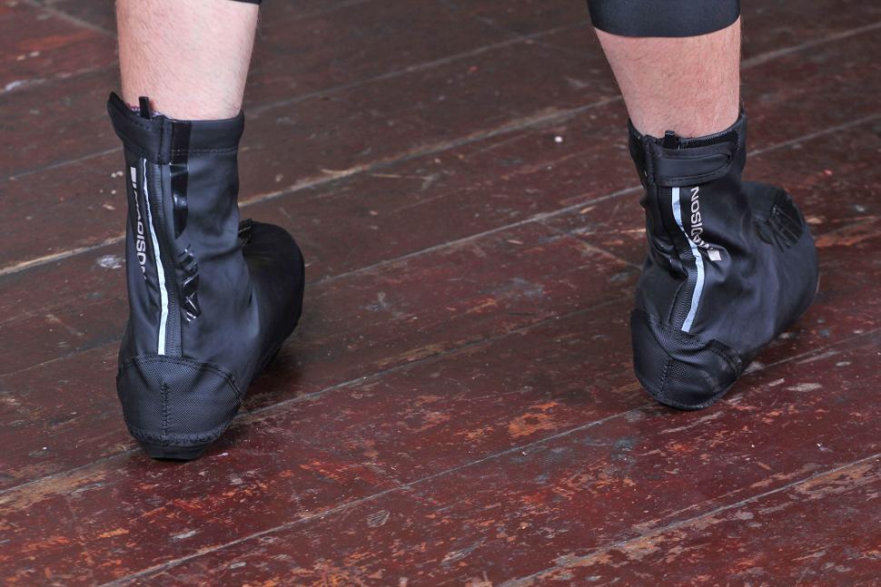 Madison Sportive Aero overshoes - ankles.jpg