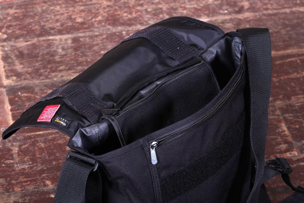 Manhattan Portage NY Messenger Bag (Medium) - open.jpg