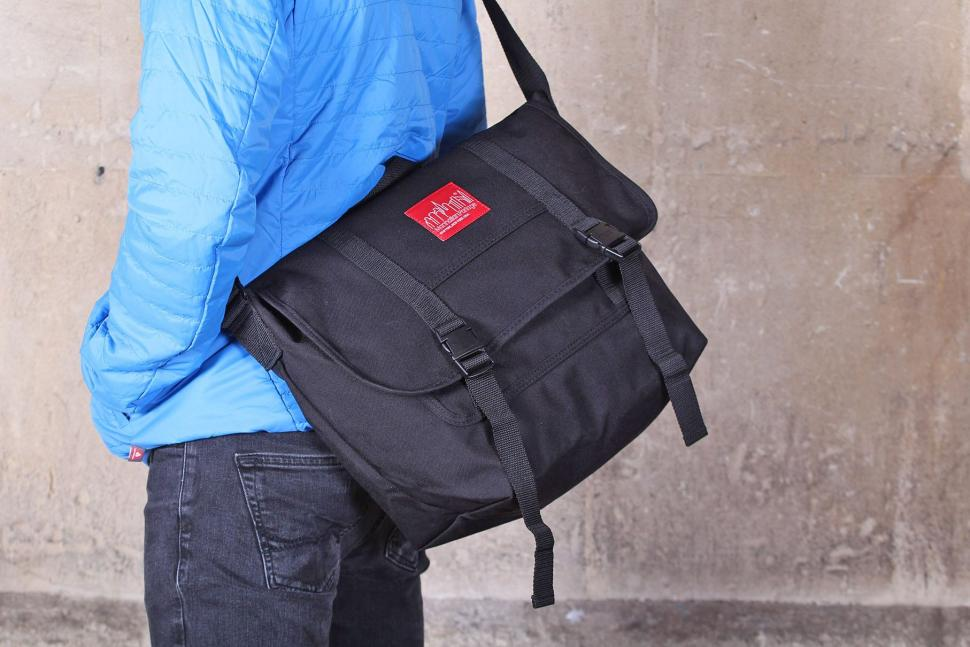Manhattan Portage Large NY Minute Messenger Bag
