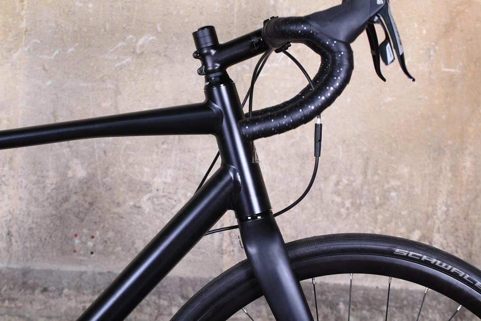 Marin Gestalt Three - head tube.jpg