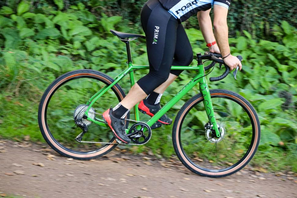 Bicycle Lock-on//Clamp MTB Hybrid Ergonomic Grips Pair Bike Titanium TI Skewer