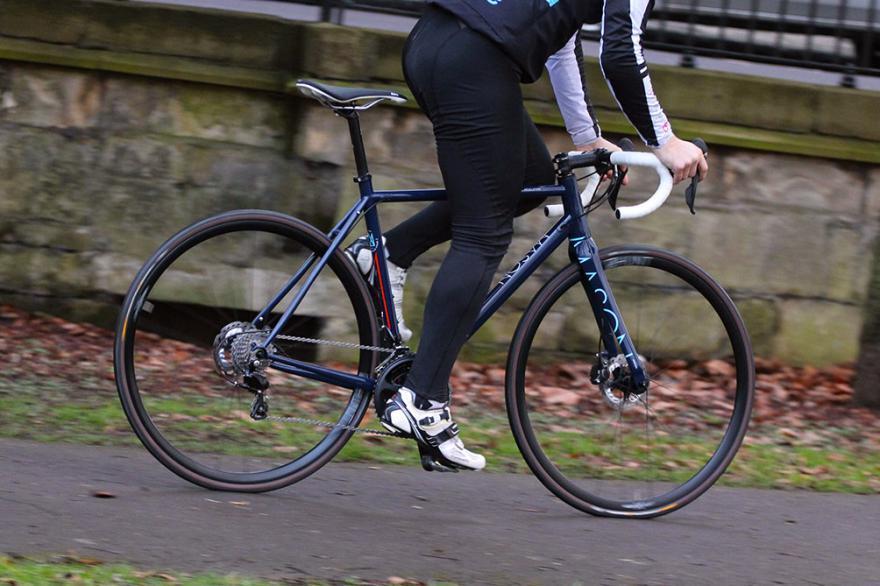 Mason Cycles Resolution - riding 1.jpg