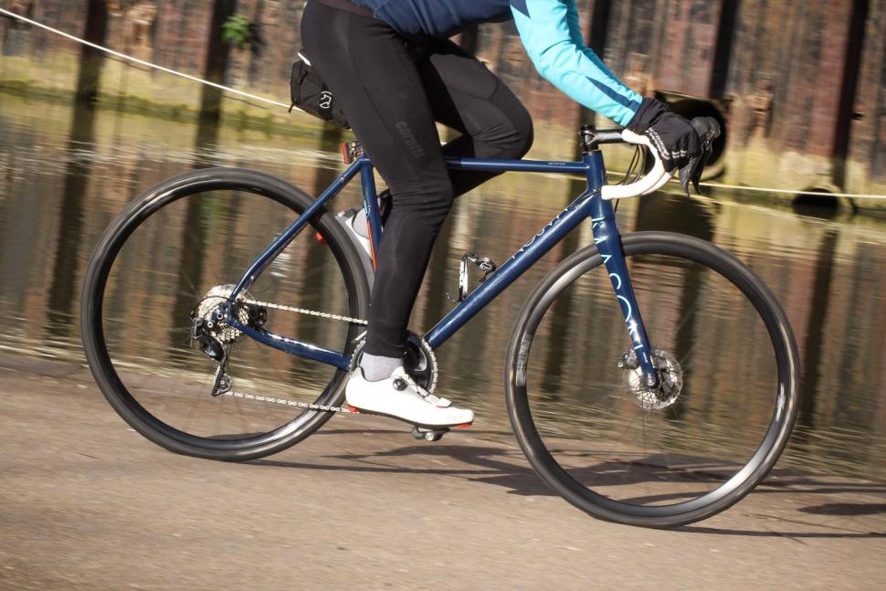 Mason Definition Ultegra - riding 2.jpg