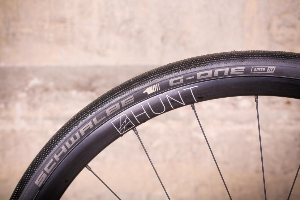 Mason Definition Ultegra - rim and tyre 2.jpg