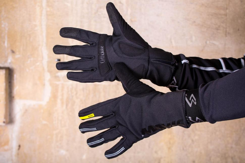 Mavic Essential Thermo Glove.jpg