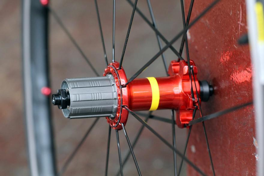 Mavic Ksyrium Elite wheelset - rear hub.jpg