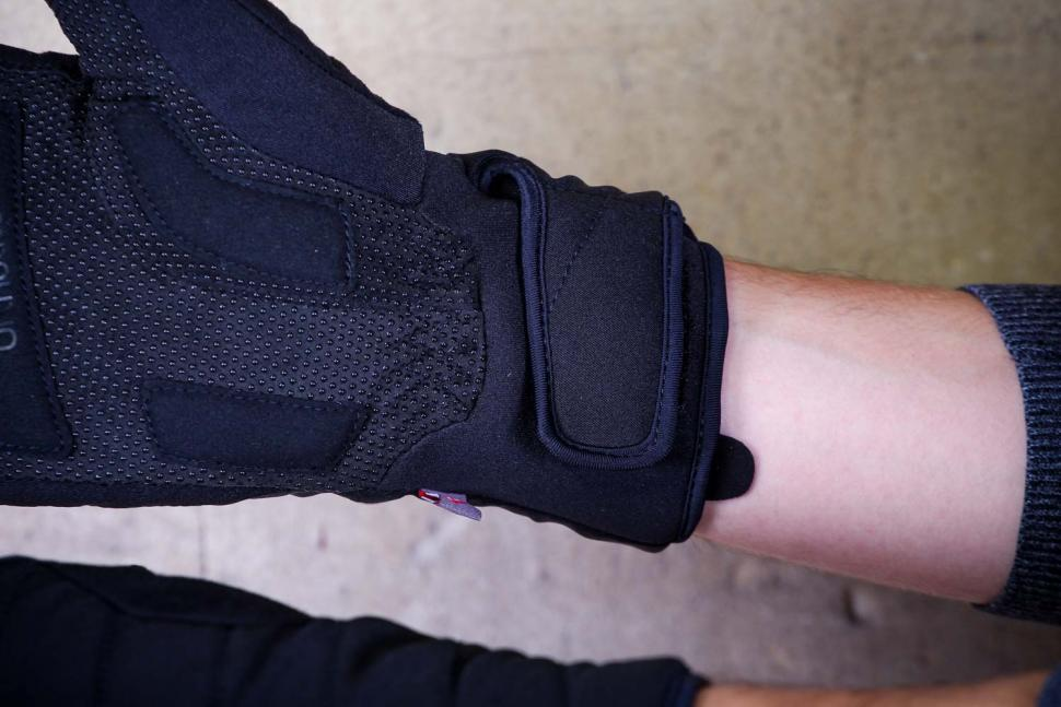 Mavic Ksyrium Pro Thermo Glove - cuff.jpg