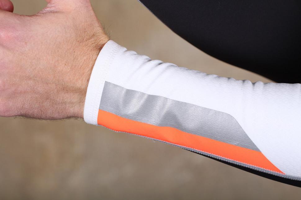 Mavic Vision Arm Warmer - cuff 2.jpg