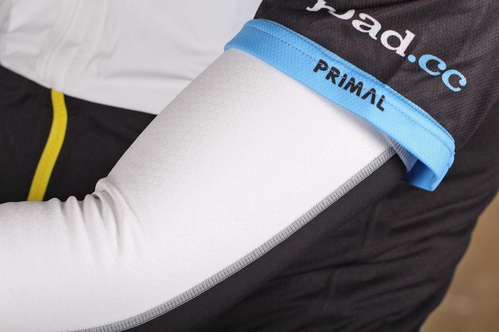 Mavic Vision Arm Warmer - material.jpg