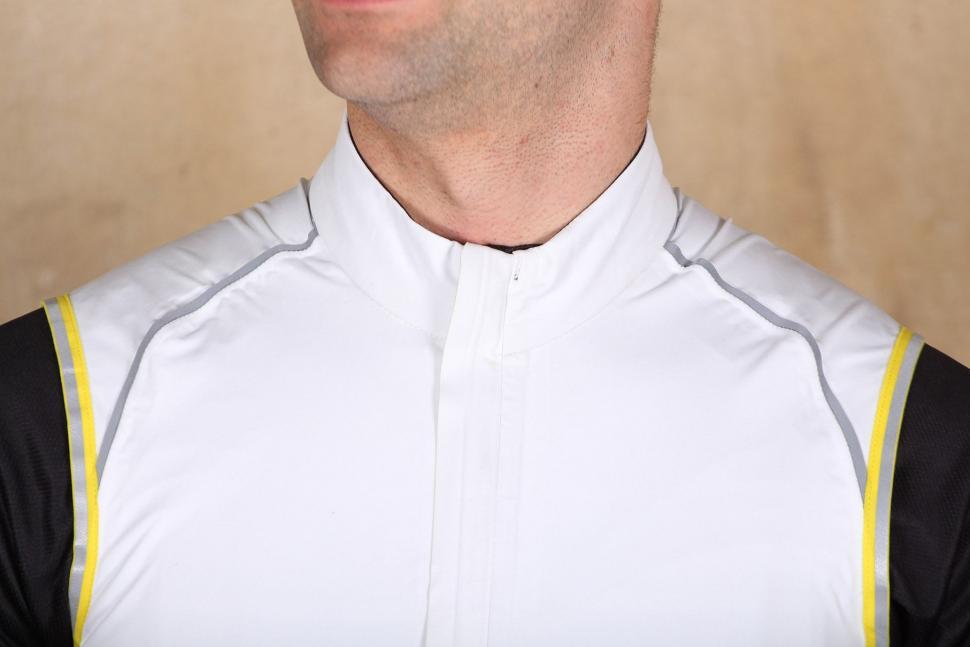 Mavic Vision H20 Vest - collar.jpg