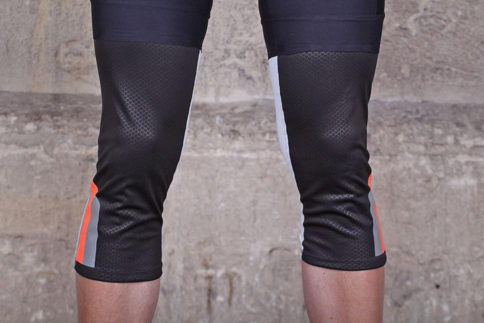 Mavic Vision Knee Warmer - front.jpg