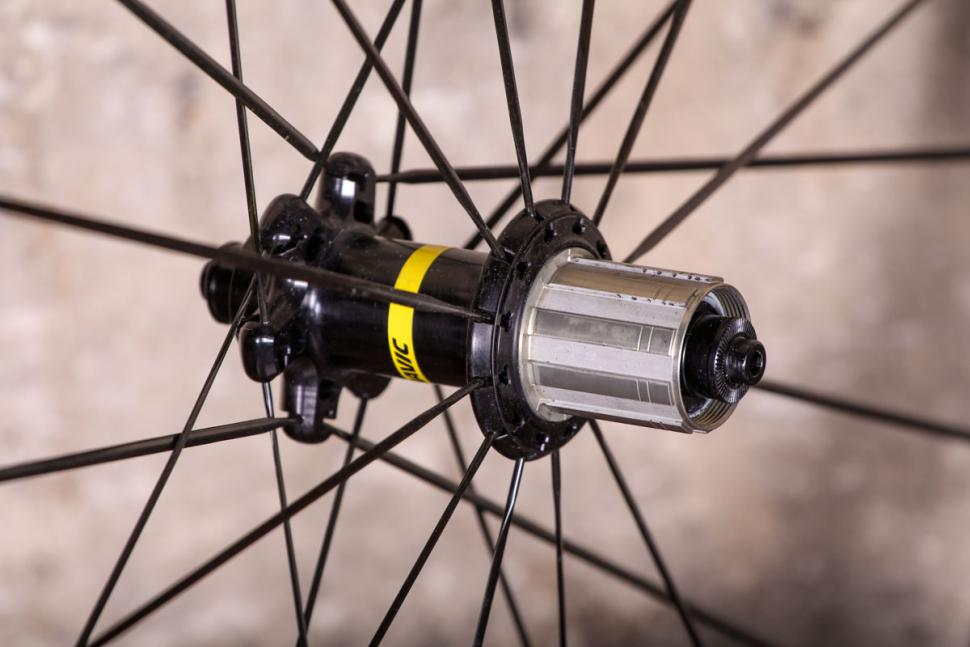 mavic_cosmic_pro_carbon_sl_ust_-_rear_hub.jpg