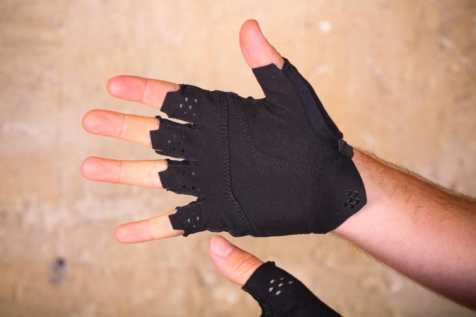 mavic_cosmic_pro_glove_-_palm.jpg