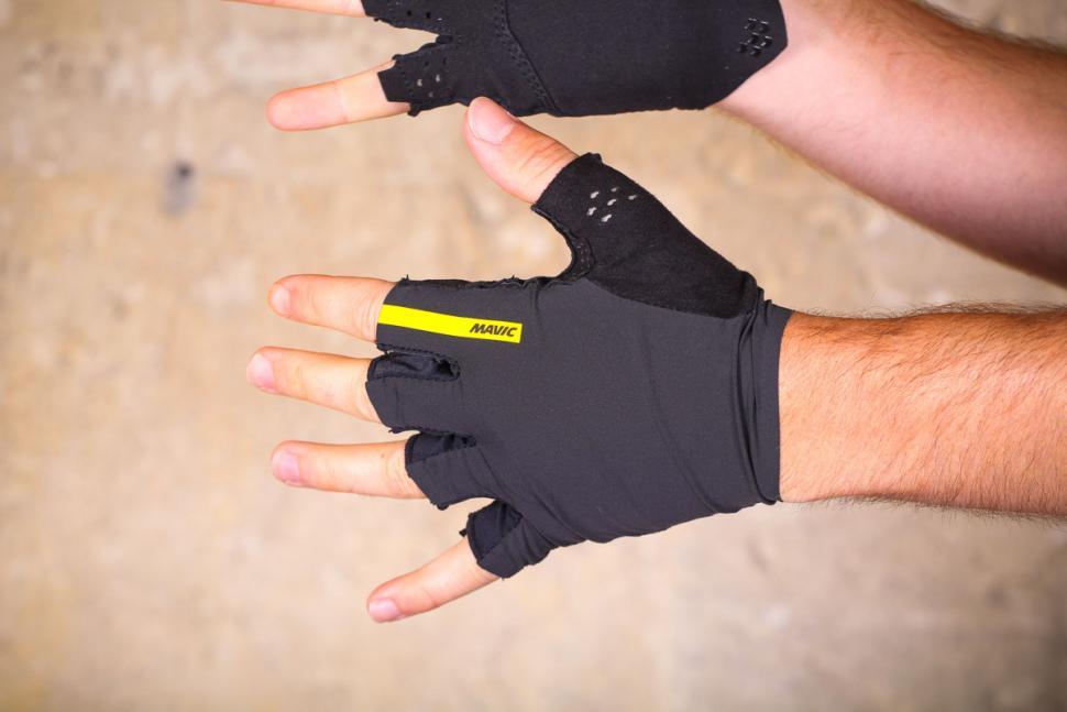 mavic_cosmic_pro_glove_-_top.jpg