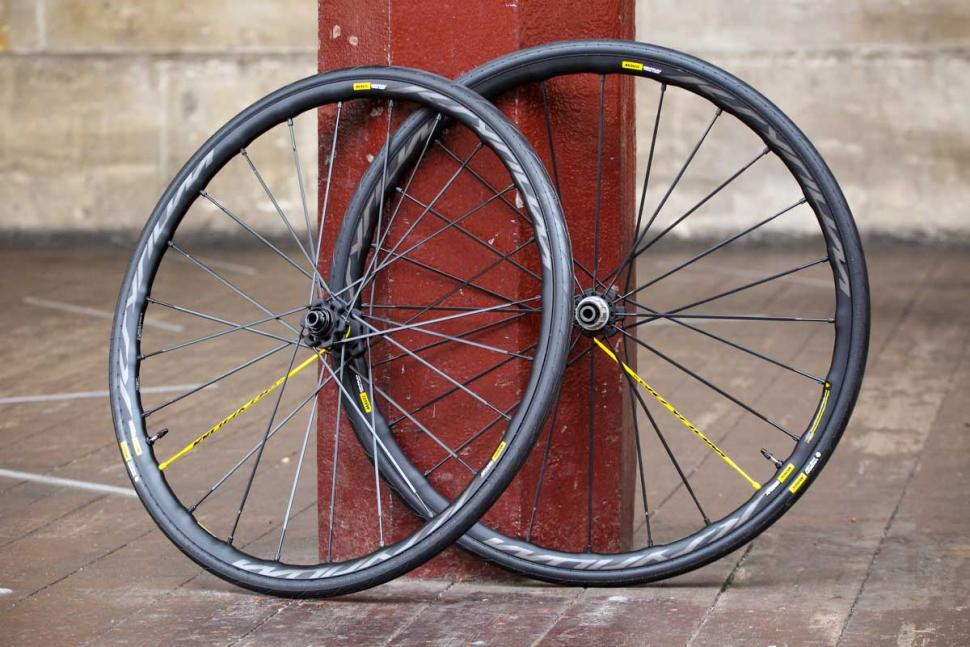 mavic_ksyrium_pro_ust_disc_wheel_set.jpg