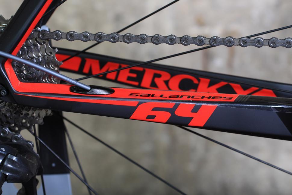 Merckx Sallanches 64 - chain stays.jpg