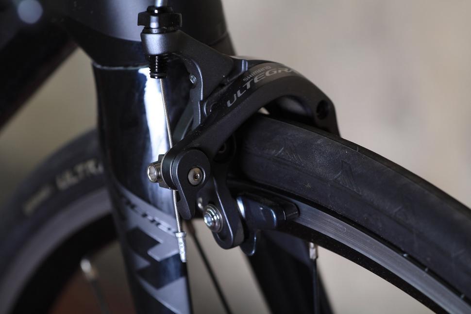 Merckx Sallanches 64 - front brake.jpg
