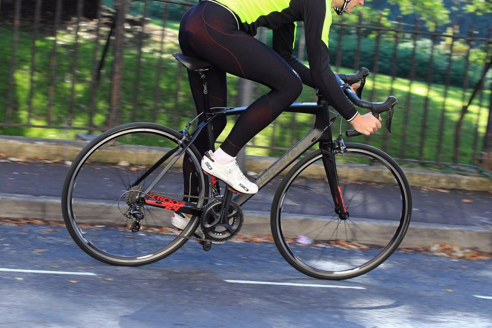 Merckx Sallanches 64 - riding 3.jpg