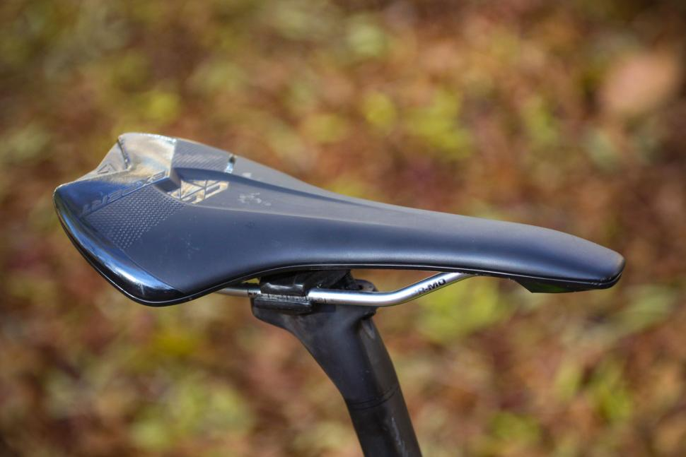 Merida Mission CX 8000 - saddle.jpg