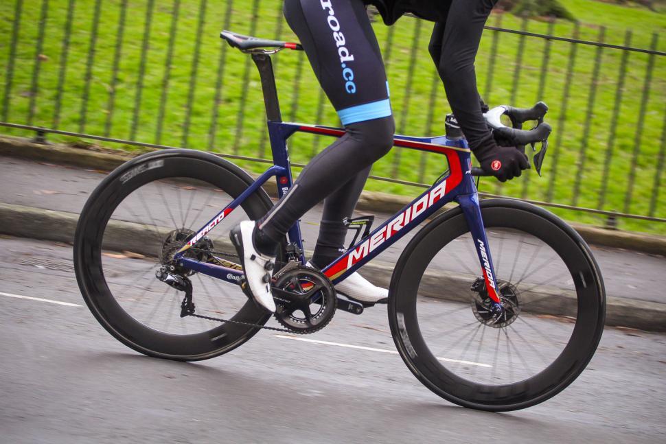 Merida Reacto Disc Team-E - riding 1.jpg