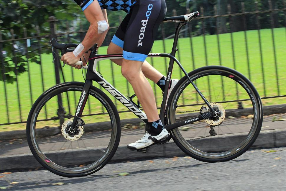 Merida Scultura Disc - riding 2.jpg