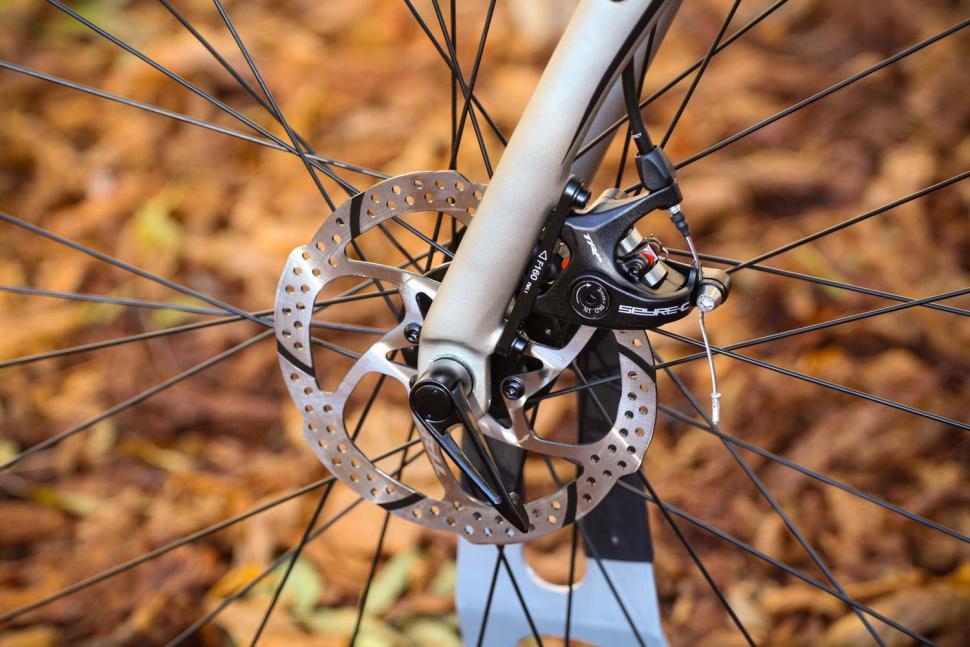 Merida Silex 300 - front disc brake.jpg