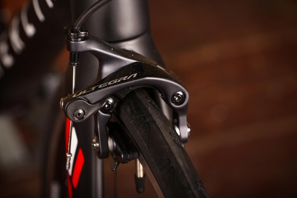 Merlin Cordite Ultegra R8000 - front brake.jpg