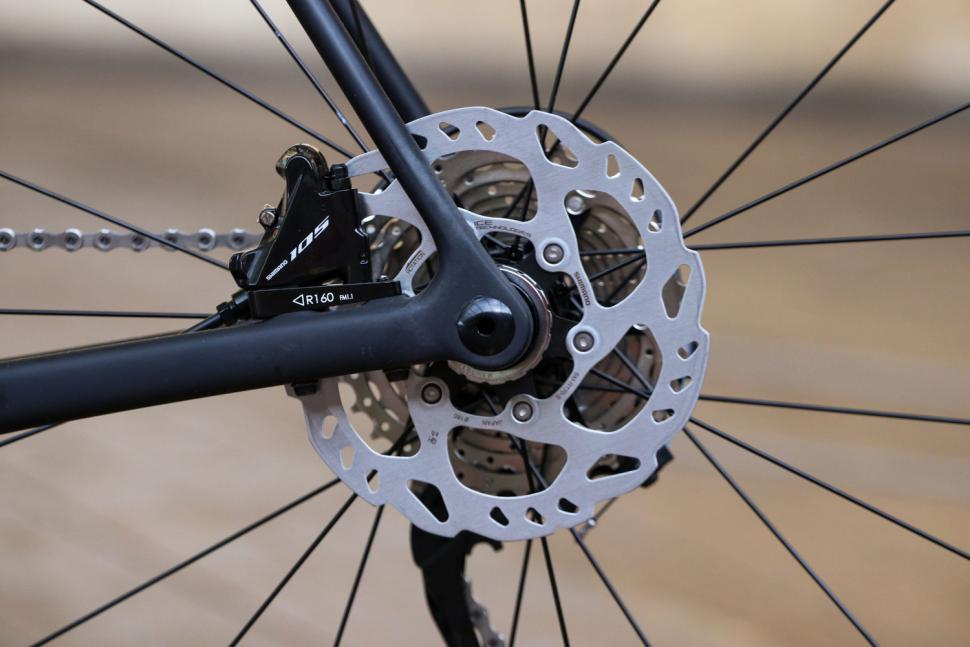 Merlin GX-01 Shimano 105 - rear disc brake.jpg
