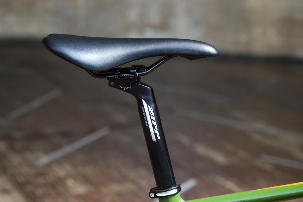 Merlin Malt G1X - saddle and post.jpg