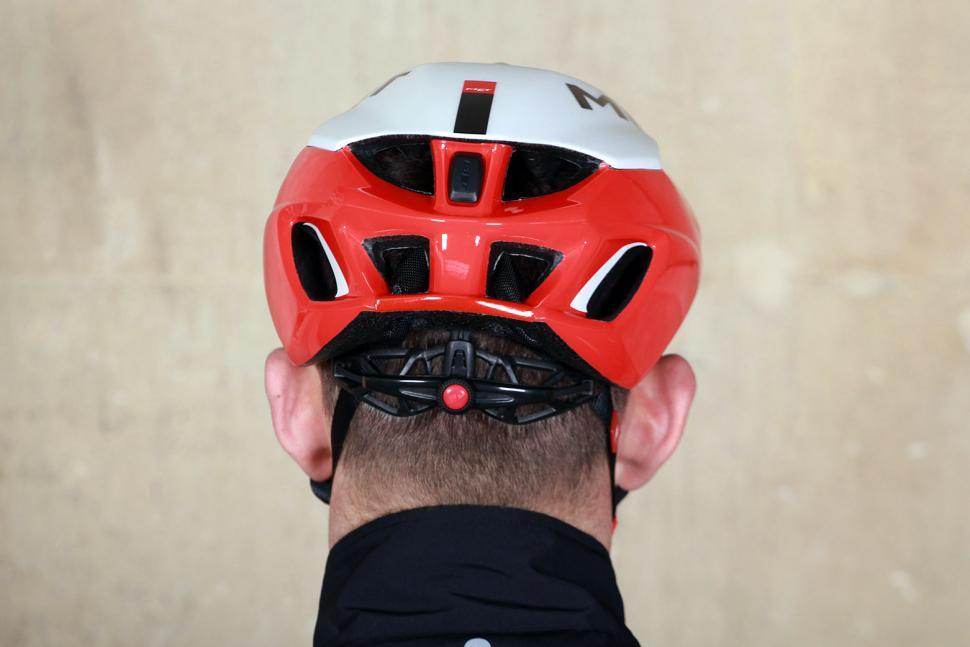 Met Rivale Helmet - back.jpg