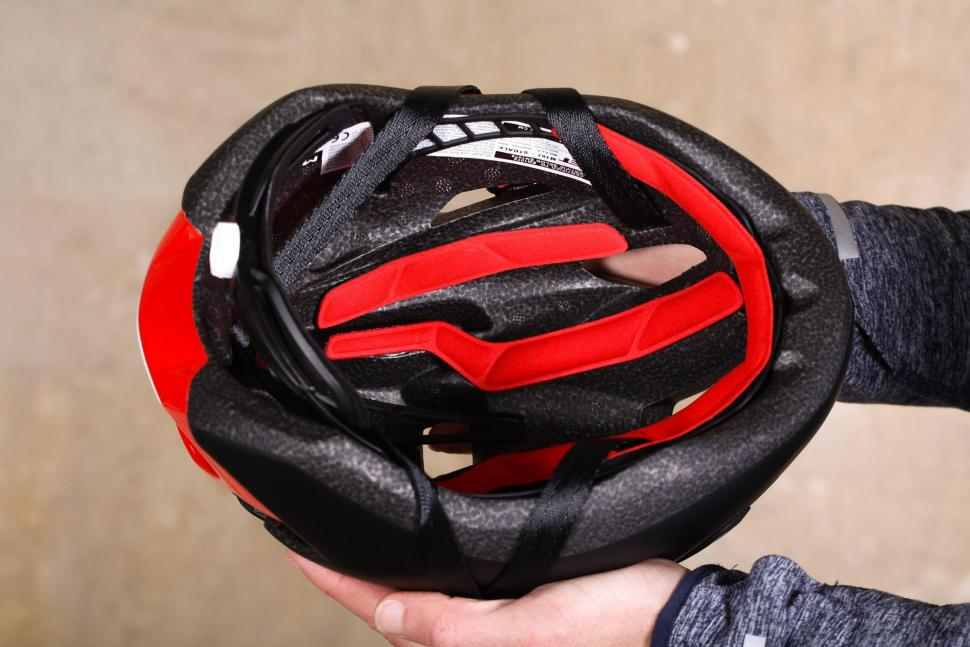 Met Strale Helmet - inside.jpg