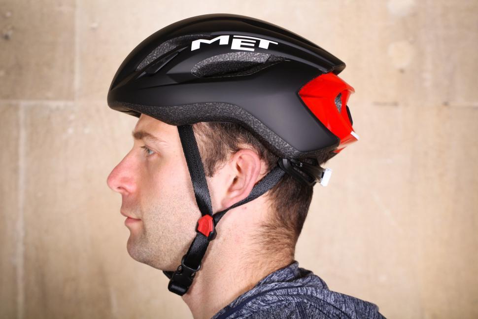 Met Strale Helmet - side.jpg