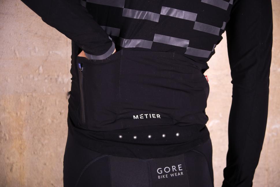 Metier Beacon jacket - pockets 2.jpg