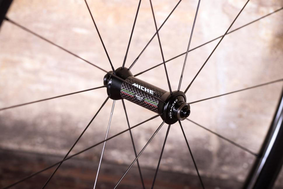 Miche Supertype 440 RC White Label Wheels - front hub