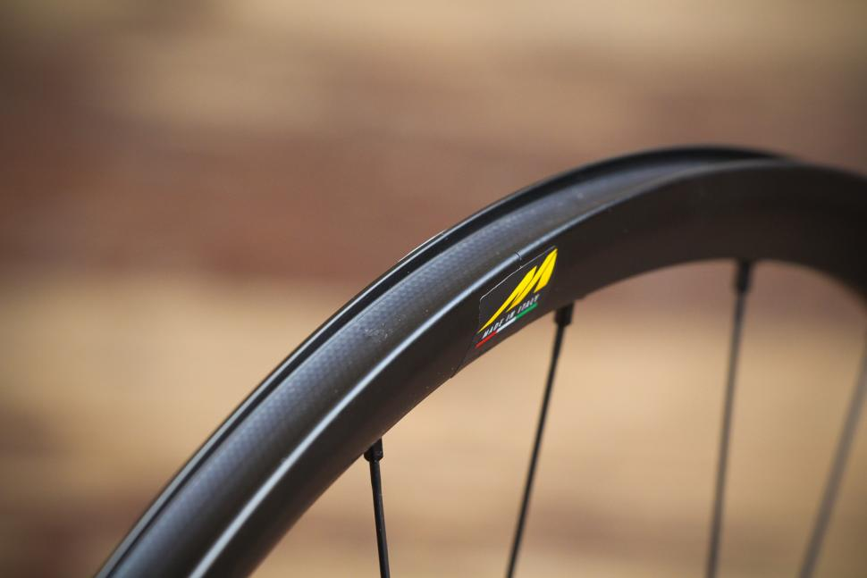 Miche Syntium AXY Disc Black Wheels - rim bed.jpg
