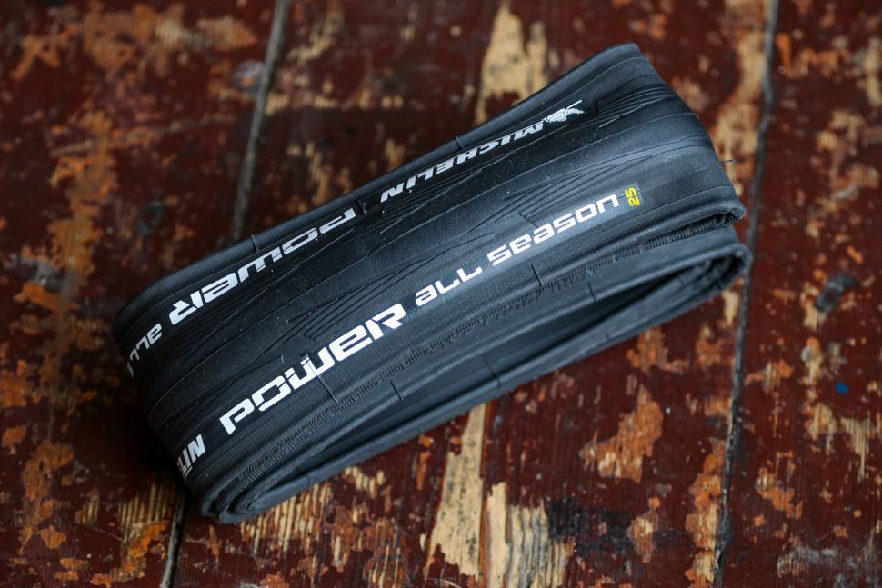 Michelin Tyre Power All Season 700 x 25C.jpg