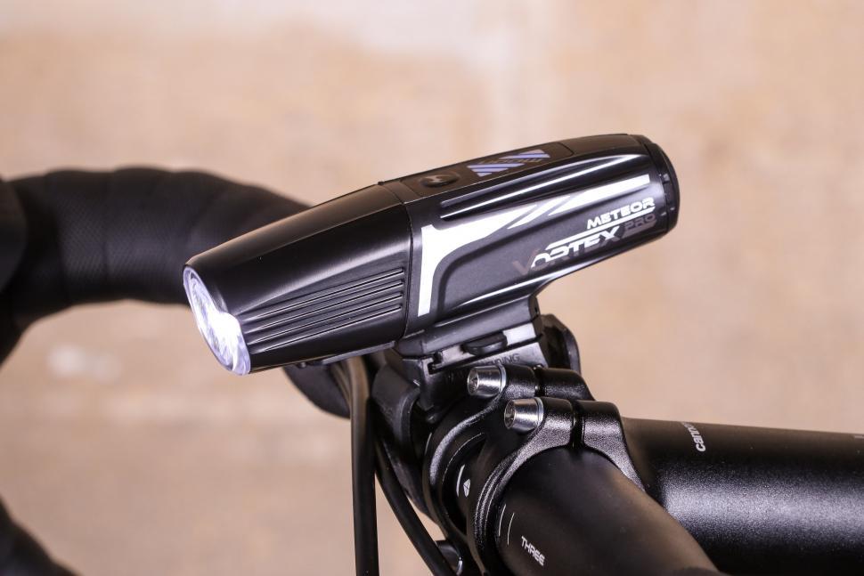Vortex Pro Bike Light 2m USB Black Charger Cable for Moon Meteor Vortex