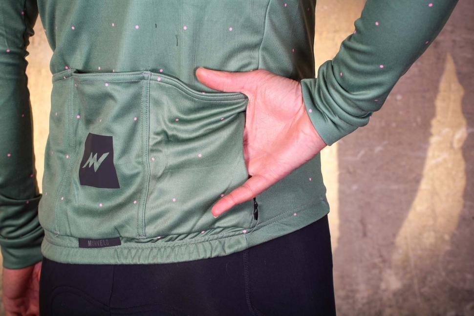 Morvelo Merino Pimento jersey - pocket zipped.jpg