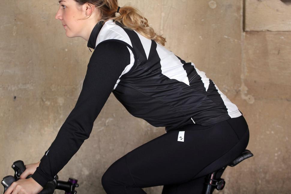 Morvelo Womens Hemisphere Gilet - riding.jpg