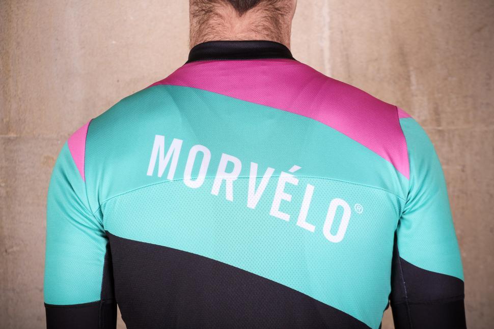 morvelo_efx_nth_series_jersey_-_shoulders.jpg