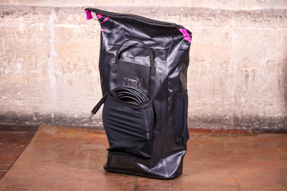 Muc Off Pressure Washer and Premium Dry Bag Carry Case - bag back.jpg