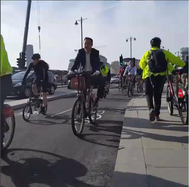 N-S cycle superhighway (still from @Lakerlikes Instagram)