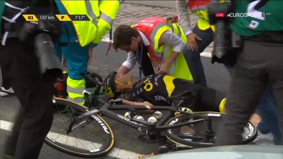 Niki Terpstra Flanders 2019 crash TV still